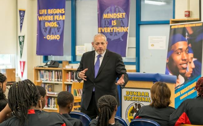 ComEd Launches Energy Academy at Dunbar Vocational High School in Bronzeville